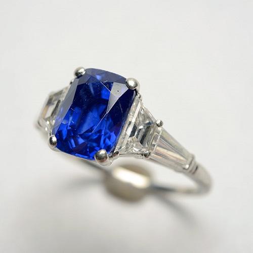 Gavels 'n' Paddles: Kashmir sapphire ring, $129,800, Michaan's