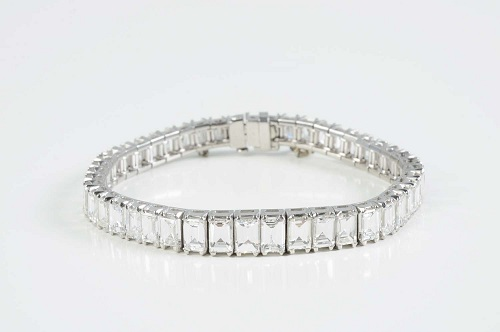 Gavels 'n' Paddles - 14kt white gold bracelet, $32,400, Morphy Auctions
