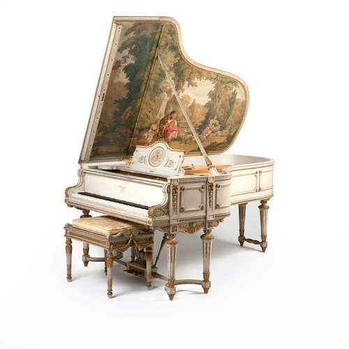 Gavels 'n' Paddles: Steinway grand piano, $39,975, John Moran