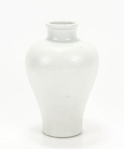 Gavels n' Paddles: Chinese porcelain vase, $6,500, Ahlers & Ogletree