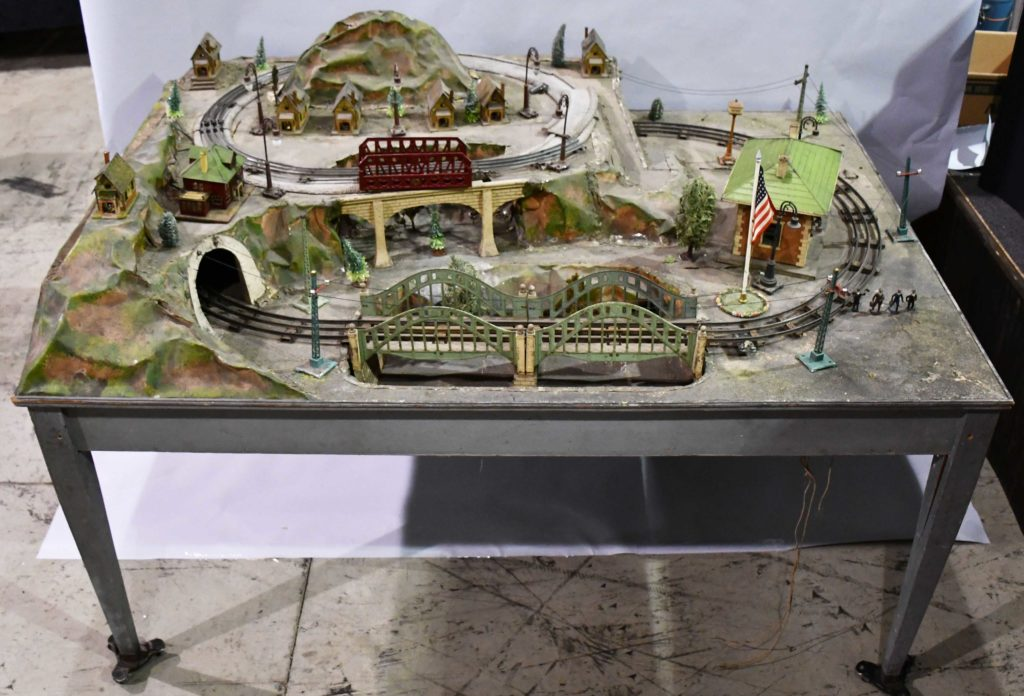 Gavels 'n' Paddles: Lionel trains store display, $12,000, Milestone Auctions