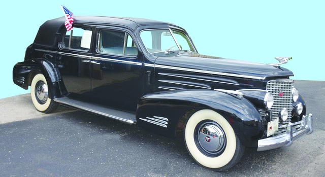 Gavels 'n' Paddles: 1940 V16 Cadillac, $77,000, Stanton's