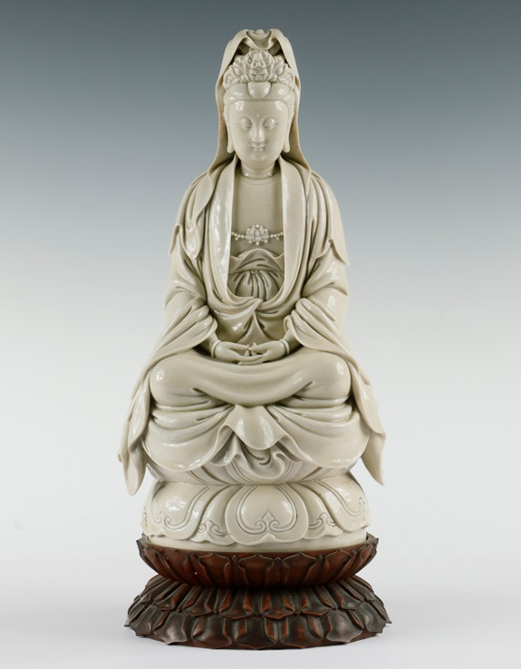 Gavels 'n' Paddles: Chinese Guanyin figure, $760,500, Thomaston Place