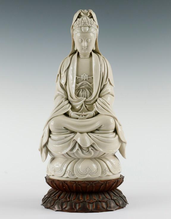 Gavels 'n' Paddles: Chinese Guanyin figure, $760,500, Thomaston Place