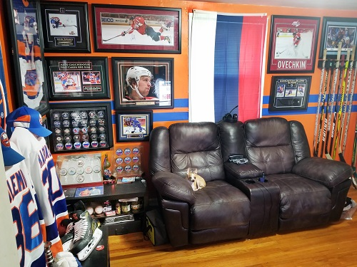 Decorating With Sports Memorabilia Journal Of Antiques Collectibles,2 Bedroom Apartments For Rent Edmonton South