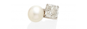 Diahann Carroll ring, $56,325, Bonhams