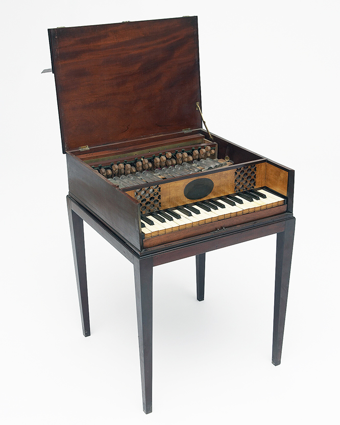 Early 19th century English Glasschord by Chappell & Sons. According to Wikipedia, the glasschord is a crystallphone that uses keyboard-driven hammers to strike glass bars instead of metal bars. photo: Yale School of Music