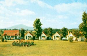 Cabin court in 1940s Bennington, VT, Swiss Village