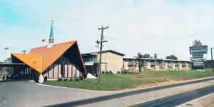 1969 postcard of Bristol, Virginia Howard Johnson Motor Lodge and restaurant